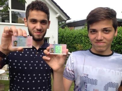 WDR - Lokalzeit Köln - Sprechzeit - Syrische Flüchtlingsjungs - Happy End - jetzt haben beide einen Aufenthaltstitel