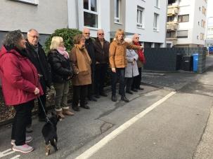 WDR - Lokalzeit Köln - Sprechzeit - Ärger über eine Mülltonnen-Box auf dem Gehweg
