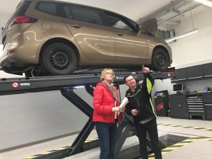 WDR - Lokalzeit Köln - Sprechzeit - Ärger um Unfallauto